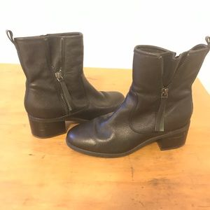 Clark's ankle boots size 9.5